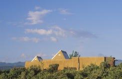 Modernes und des luftgetrockneten Ziegelsteines Haus, Santa Fe, Nanometer Lizenzfreie Stockfotos