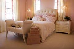 Modernes Vorlagenschlafzimmer Stockfoto