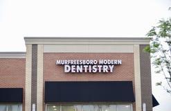Modernes Zahnheilkunde-Zeichen Murfreesboro Lizenzfreies Stockfoto