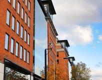 Modernes Ziegelsteingebäude Stockbilder