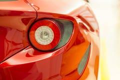 Modernes zurück- Rücklicht des Sportautos Stockfotos