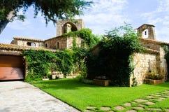 Modernisierter mittelalterlicher Wohnsitz Stockfoto