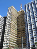 Modernistiska bostads- byggnader Arkivfoto