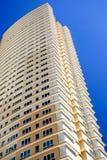 Moderno Hola-Se levantan los apartamentos Fotografía de archivo
