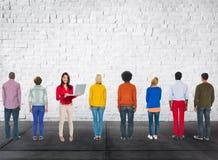 Moderno original de sorriso diferente Team Concept ocasional imagem de stock royalty free