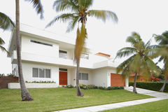Modernt abstrakt hus Royaltyfria Foton