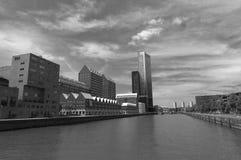 Modernt arkitekturcentrum i 'den Kop skåpbil Zuid 'neighbourhooden i Rotterdam, Nederländerna royaltyfri bild