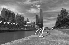 Modernt arkitekturcentrum i 'den Kop skåpbil Zuid 'neighbourhooden i Rotterdam, Nederländerna arkivfoton