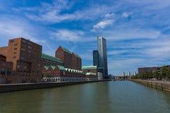 Modernt arkitekturcentrum i 'den Kop skåpbil Zuid 'neighbourhooden i Rotterdam, Nederländerna royaltyfri foto