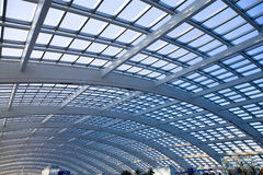 modernt arkitekturkupolexponeringsglas Royaltyfri Fotografi