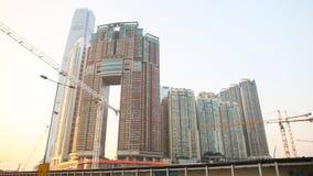 Modernt bostads- och kontorsbyggnader av skyskrapor i Hong Kong Prestationer i fältet av konstruktion av Arkivbild