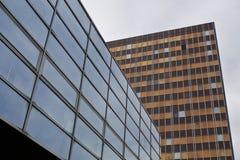 modernt byggnadsexponeringsglas Arkivfoto