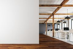 Modernt coworking kontor med kopieringsutrymme Royaltyfria Bilder