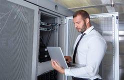 Modernt datacenterserverrum Royaltyfria Bilder