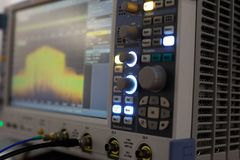 Modernt digitalt oscilloskop arkivbild
