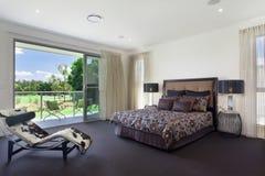 Modernt dubbelt sovrum Fotografering för Bildbyråer