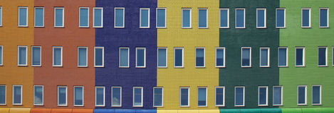 modernt färgrikt hus Arkivfoton