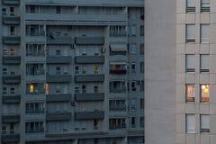 Modernt flerfamiljshus, Belgrade, Serbien Royaltyfri Fotografi