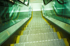 modernt flyttningskontor för rulltrappa Royaltyfria Foton