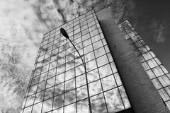 Modernt glass kontor Arkivbild