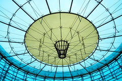 Modernt Glass tak av byggnad Royaltyfri Foto