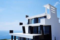 modernt hus Arkivfoton