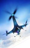 Modernt kamerasurr i dynamiskt flyg med bakgrund för blå himmel Royaltyfri Bild