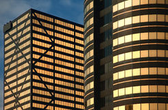 modernt kontor för byggnader Arkivfoto