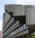 modernt kontor för byggnadsfacade Modern arkitektur i Hamburg Royaltyfri Bild