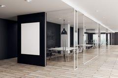 Modernt kontor med den tomma affischen Royaltyfri Foto