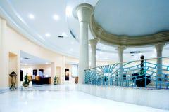 modernt korridorhotell royaltyfria bilder