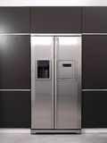 Modernt kylskåp Royaltyfri Foto