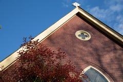 Modernt kyrkligt tringletak Arkivbilder