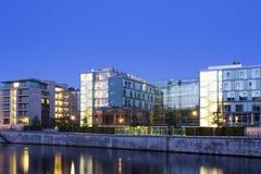 Modernt lägenhet och kontor Fotografering för Bildbyråer