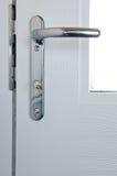 Modernt lås för dörr för hög säkerhet för krom royaltyfria foton