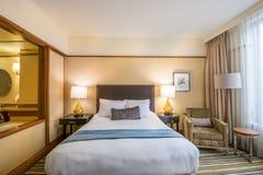 Modernt ledar- sovrum i ett hotell Royaltyfria Foton
