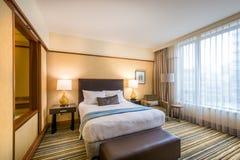 Modernt ledar- sovrum i ett hotell Royaltyfri Fotografi