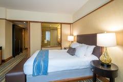 Modernt ledar- sovrum i ett hotell Arkivbilder