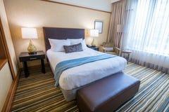 Modernt ledar- sovrum i ett hotell Royaltyfria Bilder