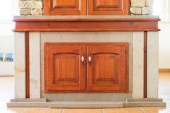 Modernt litet kabinett i rum Royaltyfri Fotografi