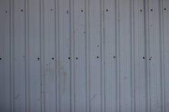 Modernt metallstaket från fabrikstillverkad delarna till paneltextur Royaltyfria Foton
