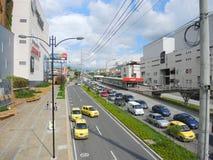 Modernt och kommersiellt område i Bucaramanga, Colombia. Fotografering för Bildbyråer