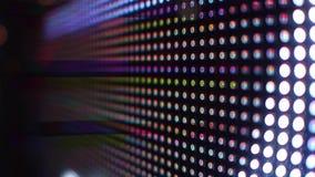 Modernt RGB-ljus - utsändande av dioder eller av den LEDDE skärmen i steadicamskott för handling 4K stock video