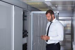 Modernt serverrum Arkivbild