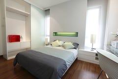 modernt sovrum Royaltyfri Fotografi