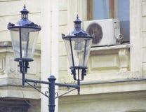 Modernt stads- belysningsystem med retro design Fotografering för Bildbyråer