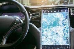 Modernt system för navigering för trans. för medelecobil Arkivfoto