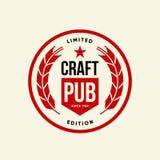 Modernt tecken för logo för vektor för hantverköldrink för stången, baren, brewhousen eller bryggeriet som isoleras på ljus bakgr royaltyfri illustrationer