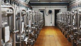 Modernt vin för källare och för utrustning för tillverkning av från Stai royaltyfria bilder