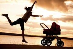 moderstroller Fotografering för Bildbyråer